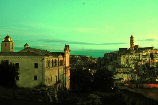 la citta più bella del mondo: Sassi di Matera (2352 clic)