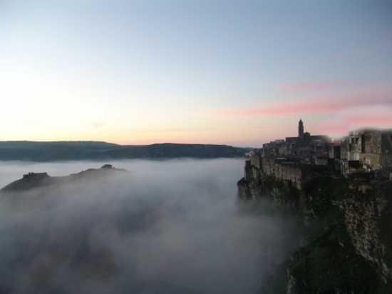 la citta più bella del mondo: Sassi di Matera (3219 clic)