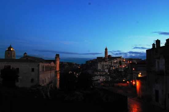 la citta più bella del mondo: Sassi di Matera (2356 clic)