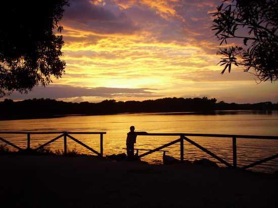 Tramonto sul lago - Sabaudia (4066 clic)