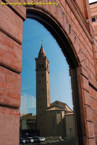 Occhio..al riflesso - Cesena (3959 clic)