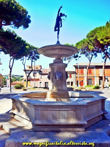 Fontana di Mercurio - Morciano di romagna (2681 clic)