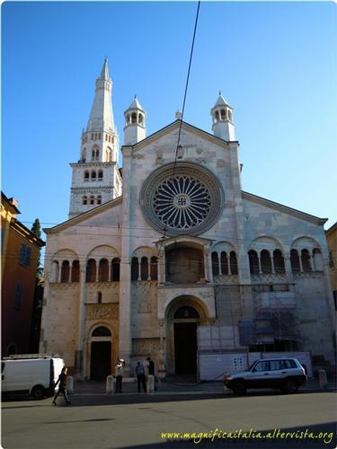 Il Duomo e la Torre, la Ghirlandina - Modena (2280 clic)