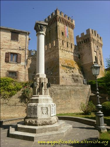 Monumento ai caduti e rocca - Offagna (2597 clic)