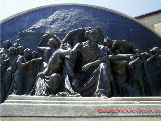 Monumento a Giuseppe Verdi - Parma (3193 clic)
