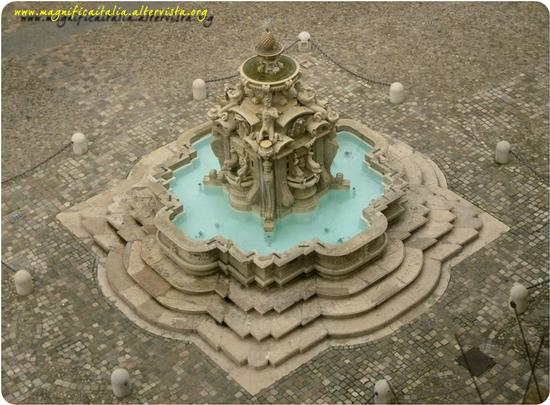 Fontana Masini dall'alto.....della sua bellezza - Cesena (4244 clic)