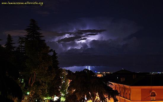 Si scatena il temporale, potenza ed incanto - Cesena (1723 clic)