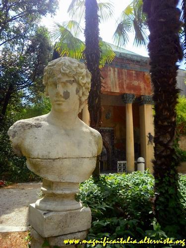 Parco delle terme con il tempio delle acque - Castrocaro terme (1553 clic)