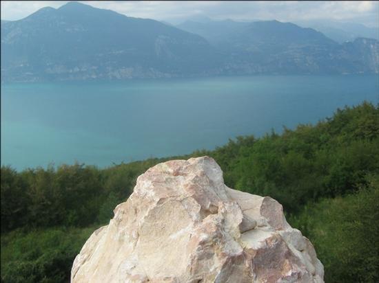Il Garda da zona panoramica... - San zeno di montagna (2222 clic)
