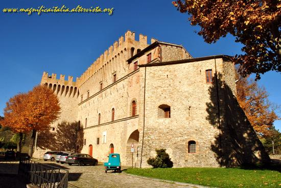 Castello dei Conti Oliva - Piandimeleto (1472 clic)