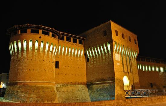 Rocca di Forlimpopoli by night (5374 clic)