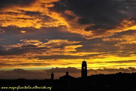 L'aurora colora la mattinata  - Cesena (2470 clic)