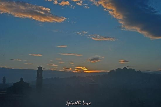 L' alba tra la nebbia - Cesena (1900 clic)