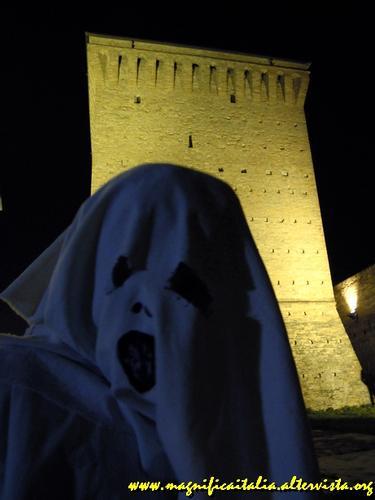 Il fantasma della rocca Malatestiana di Cesena...... (2301 clic)