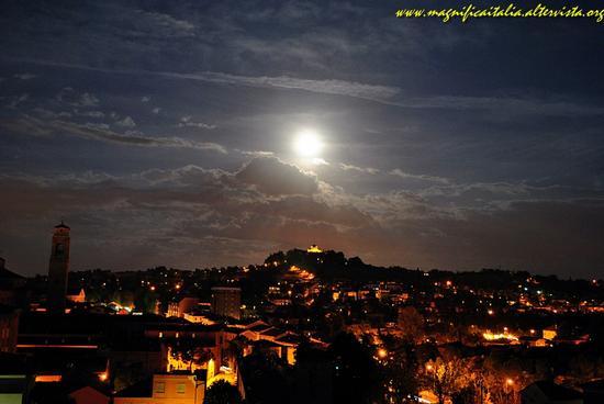 Notturno su Cesena (5216 clic)