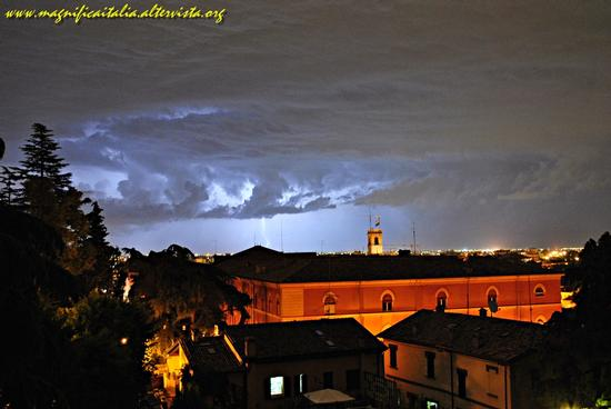Il temporale, pericoloso ma bellissimo - Cesena (1974 clic)