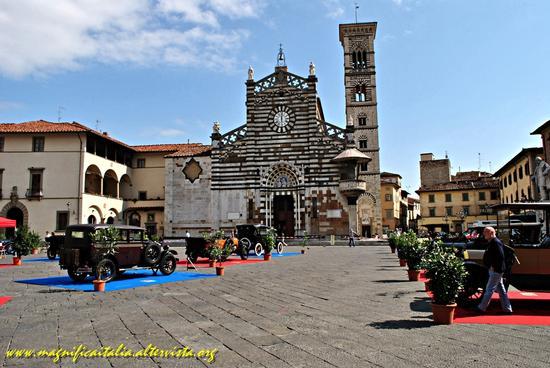 Si e' tornati indietro di cent'anni in Piazza a Prato (1847 clic)