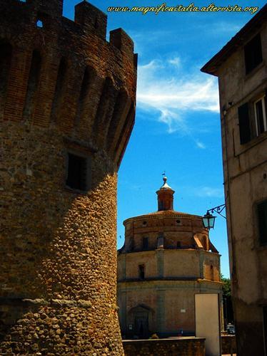 Torrione della Rocca e Santa Maria della Reggia - Umbertide (1812 clic)