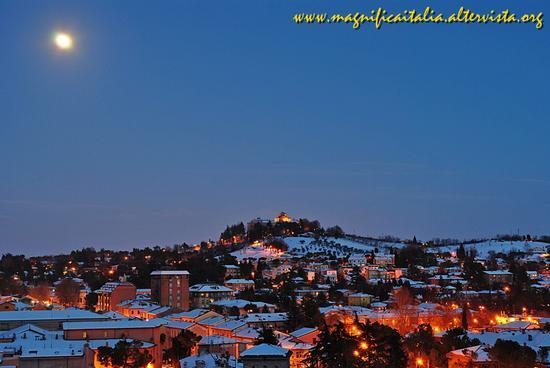 Nuova nevicata 2013 - Cesena (2294 clic)