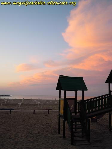 La spiaggia al tramonto - San giuliano a mare (1404 clic)