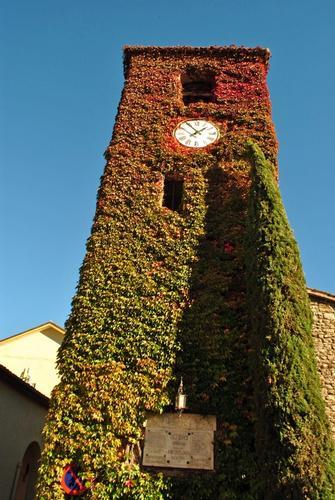 Torre Civica - Frontino (1920 clic)