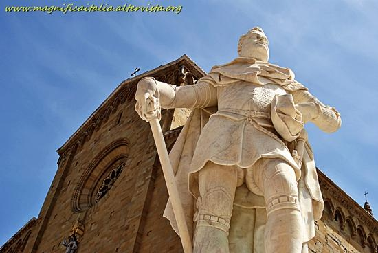 Statua di Ferdinando I De Medici - Arezzo (2281 clic)