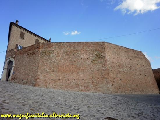 Salita alla Rocca Malatestiana - Montiano (1653 clic)