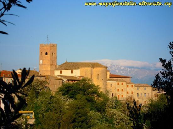 Il Castello di Castorano (2040 clic)