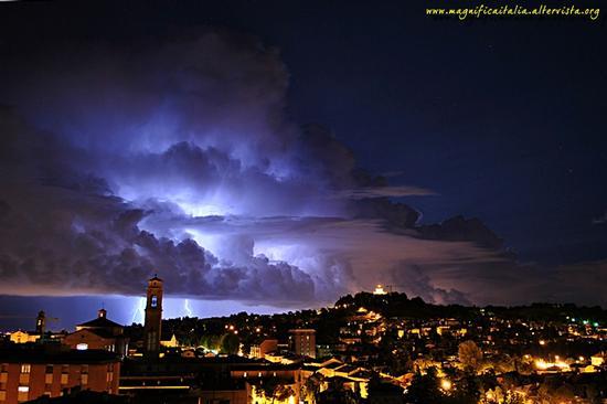 Incanto notturno su Cesena (5099 clic)