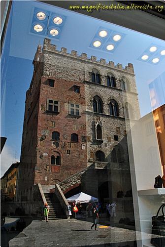 Mettiamo i nostri monumenti....in vetrina !! - Prato (2369 clic)