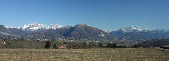Panorama delle Grigne e Resegone - Orsenigo (4021 clic)