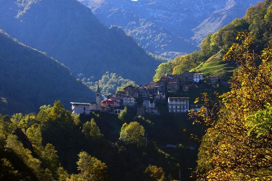 Sambughetto, val Strona ottobre 2013 - Valstrona (943 clic)