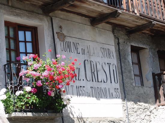 Cresto, altitudine 1155 s.l.m., Ala di Stura, Piemonte agosto 2006 (1753 clic)
