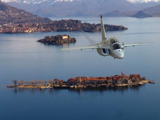 In volo sul golfo Borromeo, Lago Maggiore, Piemonte giugno 2011 - Stresa (7926 clic)