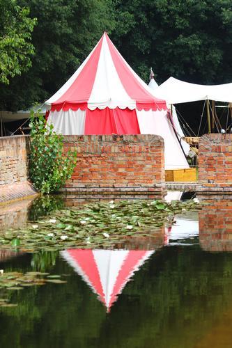 Tenda medioevale, Manifestazione Parma Fantasy 2011, parco Eridania, giugno 2011 (2256 clic)