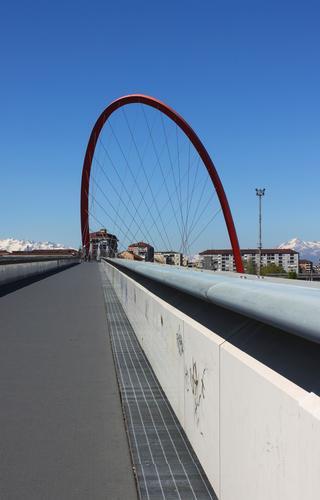 Fuga d'arco, Lingotto Torino aprile 2011 (2097 clic)