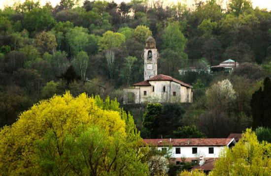 Chiesa di Santa Maria a Dormelletto, Lago Maggiore (Verbano) aprile 2011 (1972 clic)