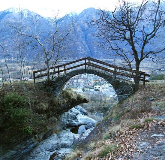 Ponte Luet, Colloro, Premosello Chiovenda, Ossola febbraio 2013 (1143 clic)
