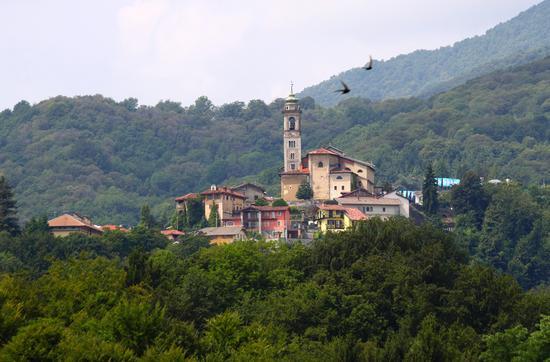 Chiesa di Galfione Scaglia vista da Portula luglio 2011 | PORTULA | Fotografia di Marco Ferrari