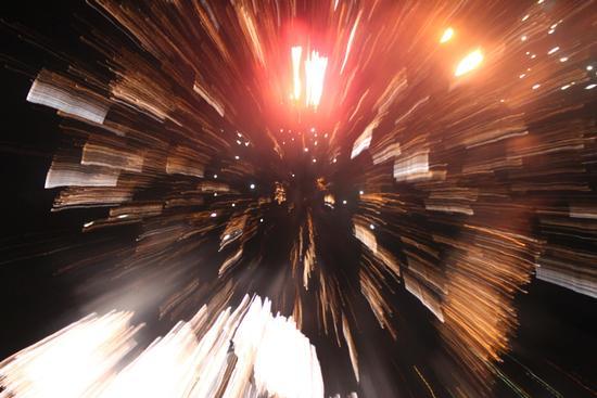 Velocità warp! Fiori di fuoco, Fuochi di San Vito a Omegna, lago d'Orta (Cusio) 28 agosto 2011 (2831 clic)