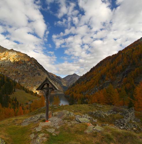 Lago di Campliccioli, val Antrona, Ossola ottobre 2013 - Antrona schieranco (2563 clic)