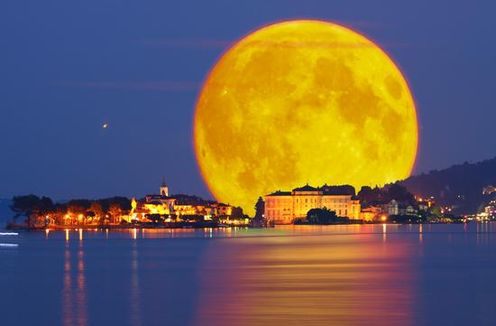 La luna 4 miliardi di anni fa, The moon 4 billion years ago - BAVENO - inserita il 26-Sep-13