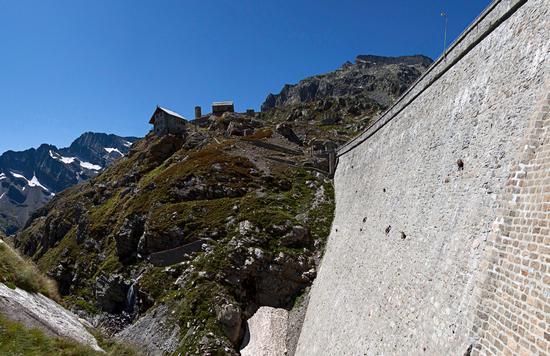 Diga del Cingino e stambecchi freeclimbers, val Antrona - Antrona schieranco (1263 clic)
