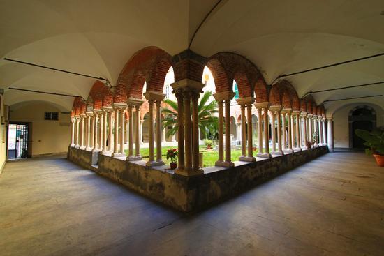 Chiostro dell'abbazia di San Matteo, Genova (8521 clic)