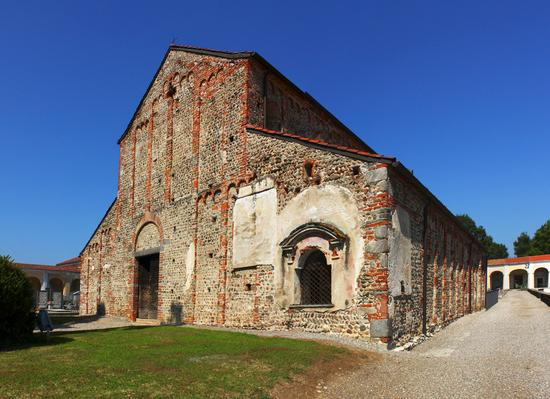 Chiesa di San Michele a Oleggio Grande (5412 clic)