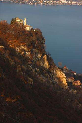 Madonna del Sasso, lago dOrta, Cusio febbraio 2013 (1094 clic)