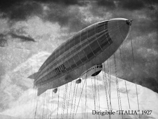 Dirigibile ITALIA in volo al polo nord - Arona (5240 clic)