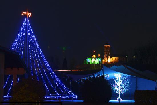 Luci natalizie ad Oleggio Castello (1256 clic)
