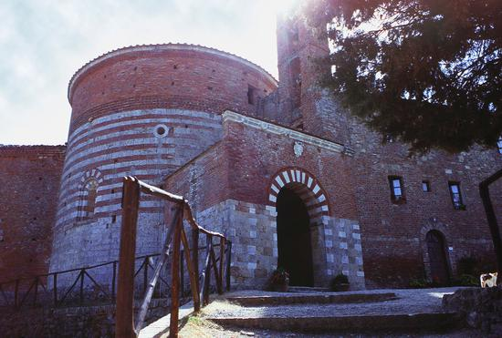Eremo di Montesiepi, San Galgano, Siena agosto 1998 (2065 clic)
