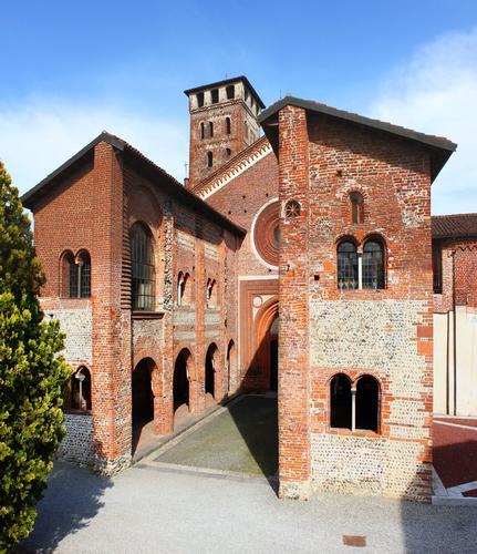 Abbazia dei Santi Nazzario e Celso, San Nazzaro Sesia, Piemonte aprile 2011 (536 clic)